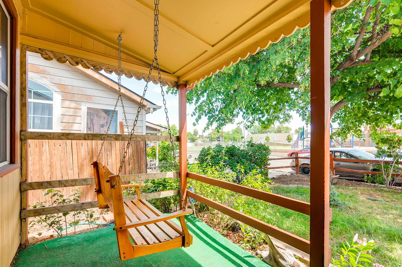 1263 Joliet porch