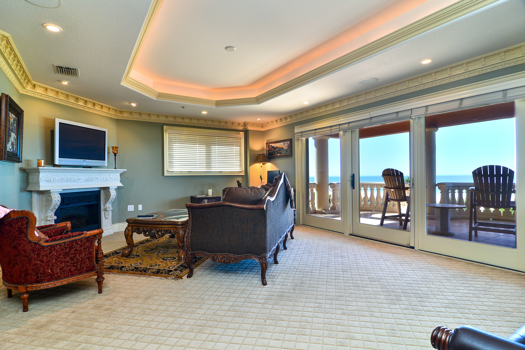 Sitting Area Overlooking the Beach in 2nd Master Suite