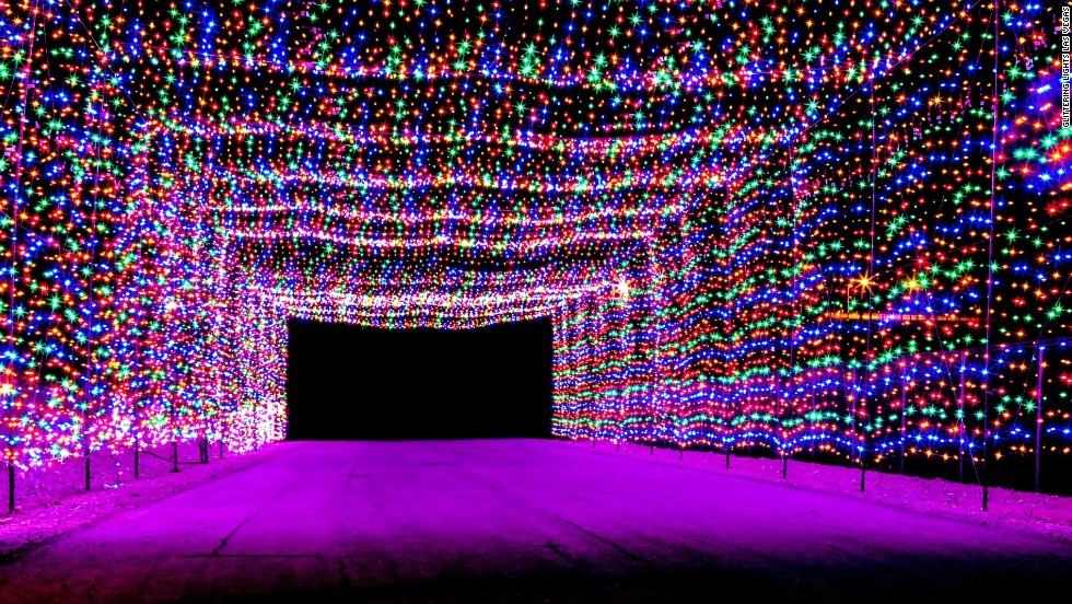 8 Best Places To See Christmas Lights In Las Vegas