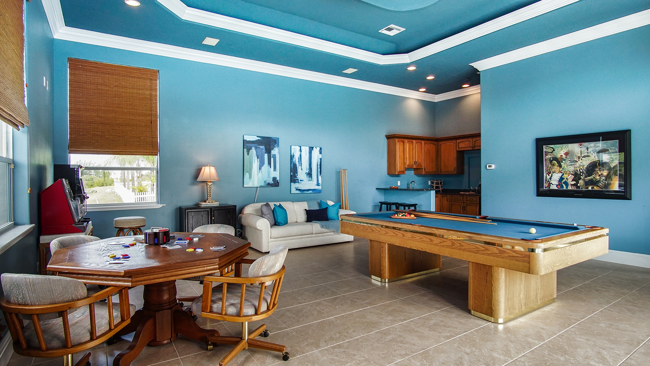 HUGE Water View Game Room w/Wet Bar