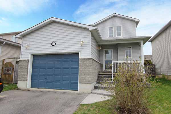 84 Rickaby St - <a href='http://ashley.durhamhomesavvy.com/index.php?types[]=1&types[]=2&areas[]=area:Bowmanville&beds=0&baths=0&min=0&max=100000000&map=0&sortby=listings.listingdate DESC&quick=1&submit=Search' title='Search Properties in Bowmanville'>Bowmanville</a> - Keller Williams Energy