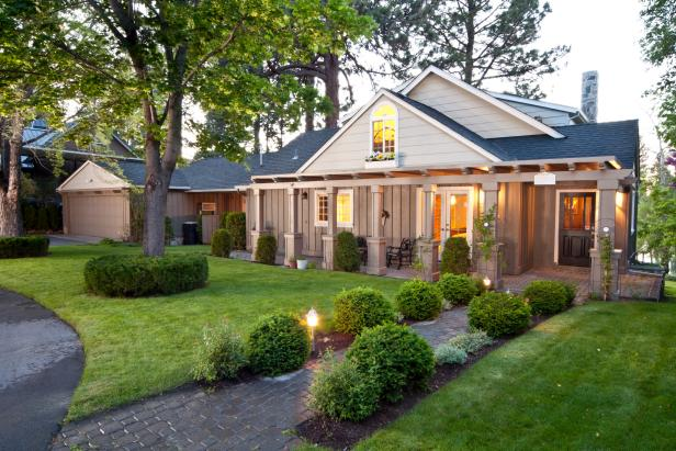 8 Budget Curb Appeal Tips
