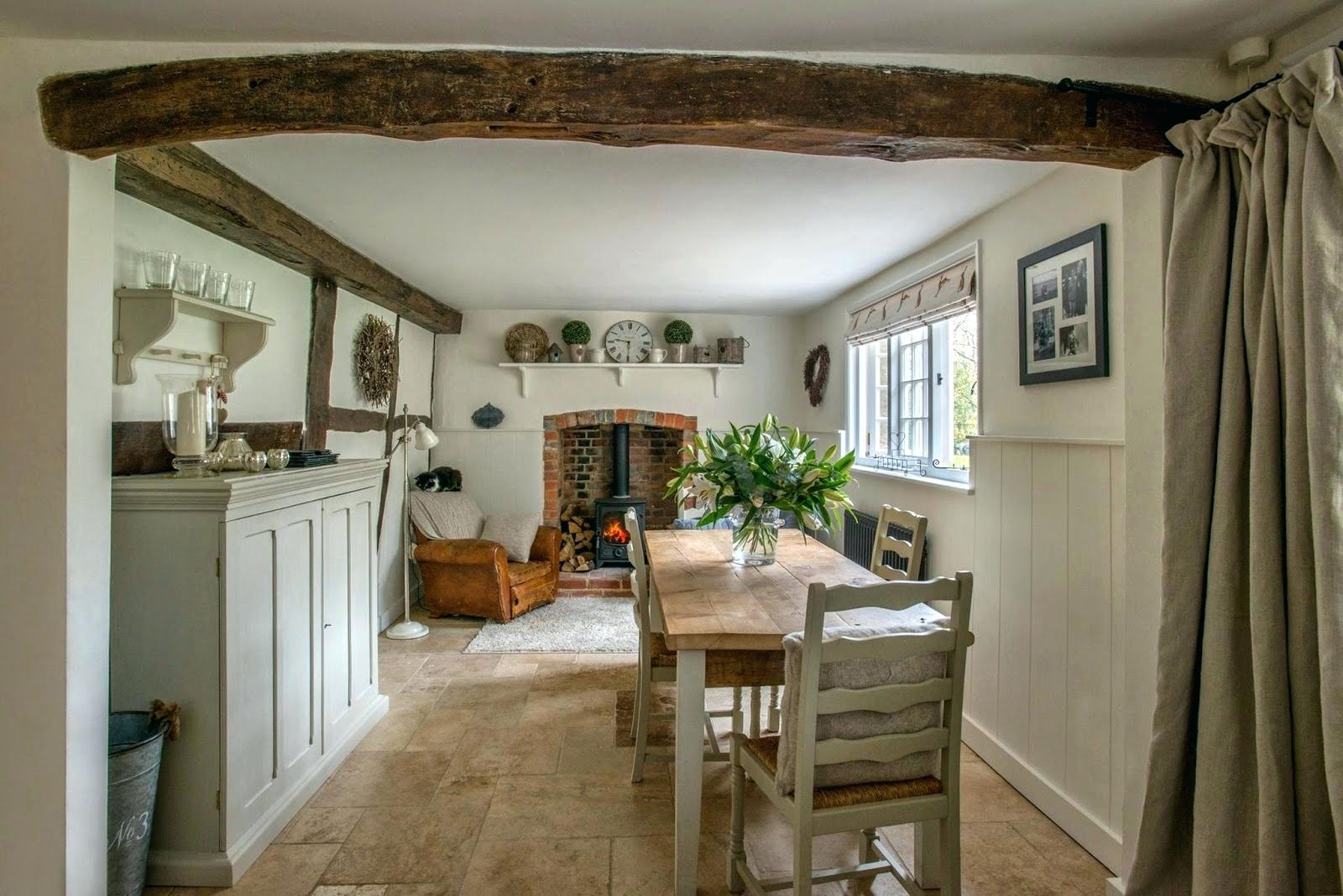 Colonial Style Dinning Room