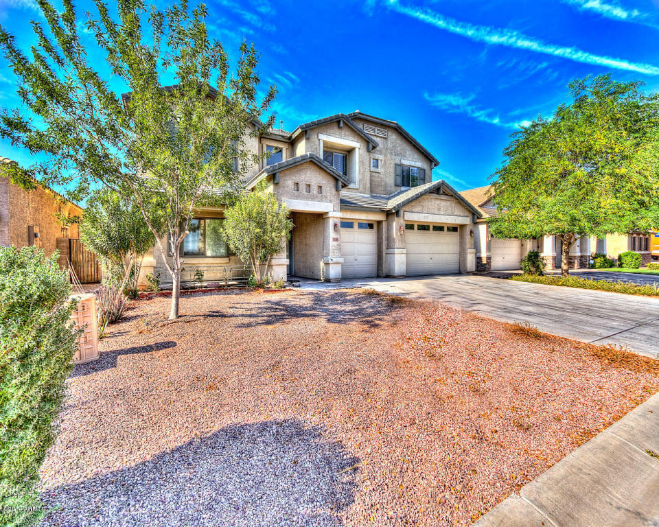 Large family home for sale Magic Ranch